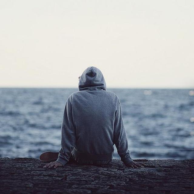 fm388293我可以一个人看海